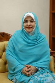 Jilbab muslimah, Hj. Lutfiah Sungkar. (Foto: inet)