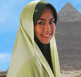 Jilbab muslimah, Oki Setiana Dewi, Film Ketika Cinta Bertasbih. (Foto: inet)