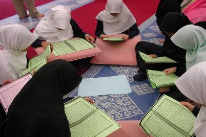 muslimah-quran-2.jpg